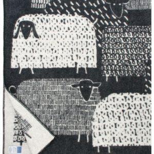 lapuan-kankurit-zwart-witte-wollen-deken-schapen